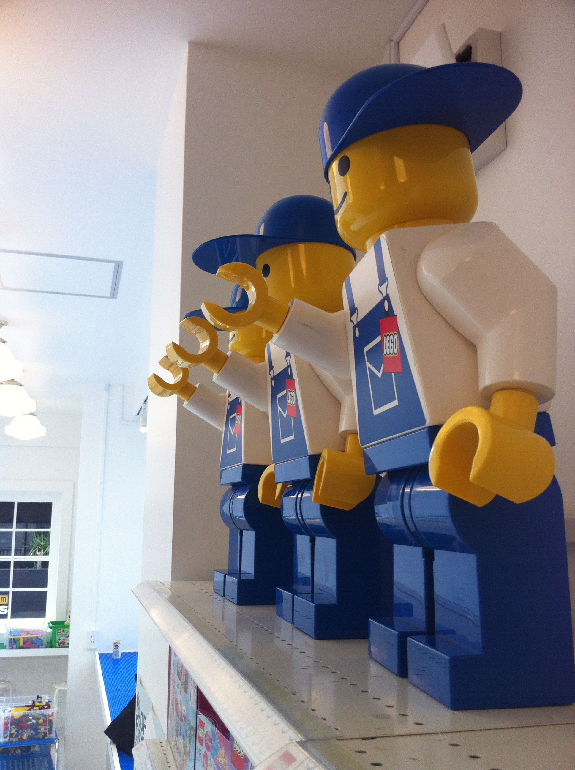 When hiddenlol'ers stop by the LEGO shop