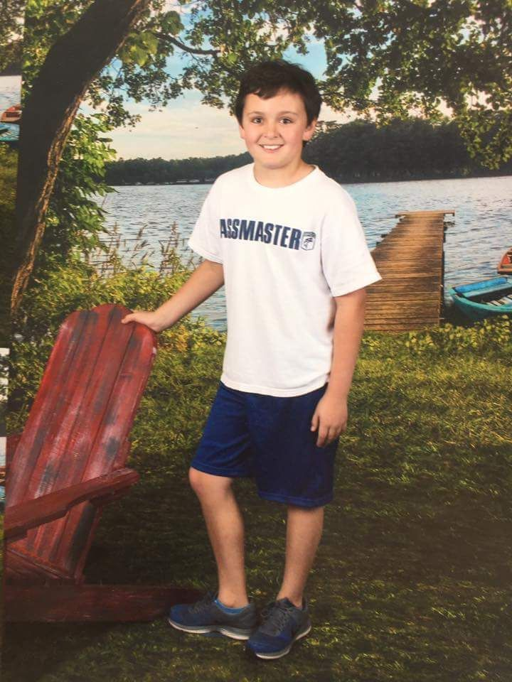 Friend on Facebook sent their kid to school on picture day with the wrong shirt.