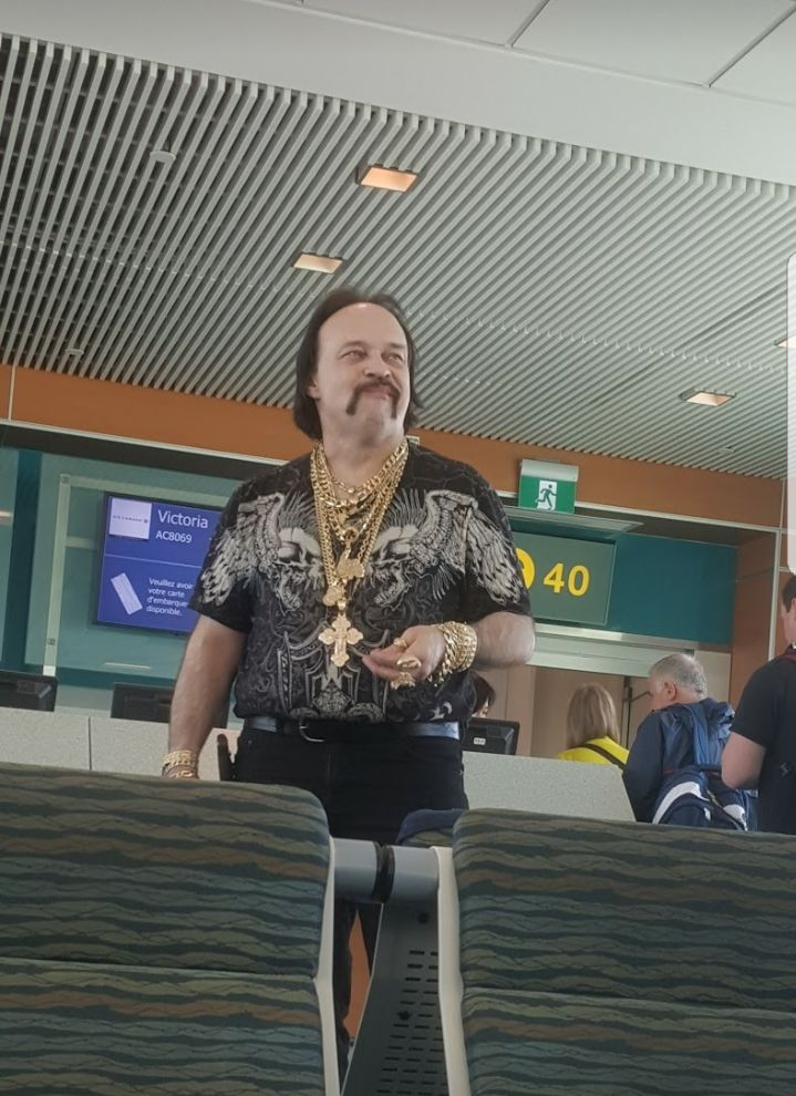 The most interesting person I've seen in an airport