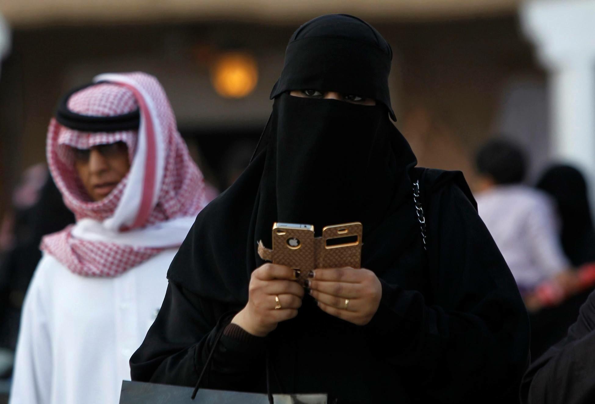 Damm this iPhone faceID lock.