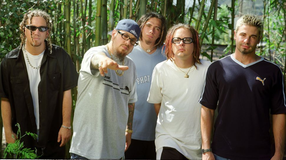 Doesn't Korn just look like an older and fatter NSYNC?