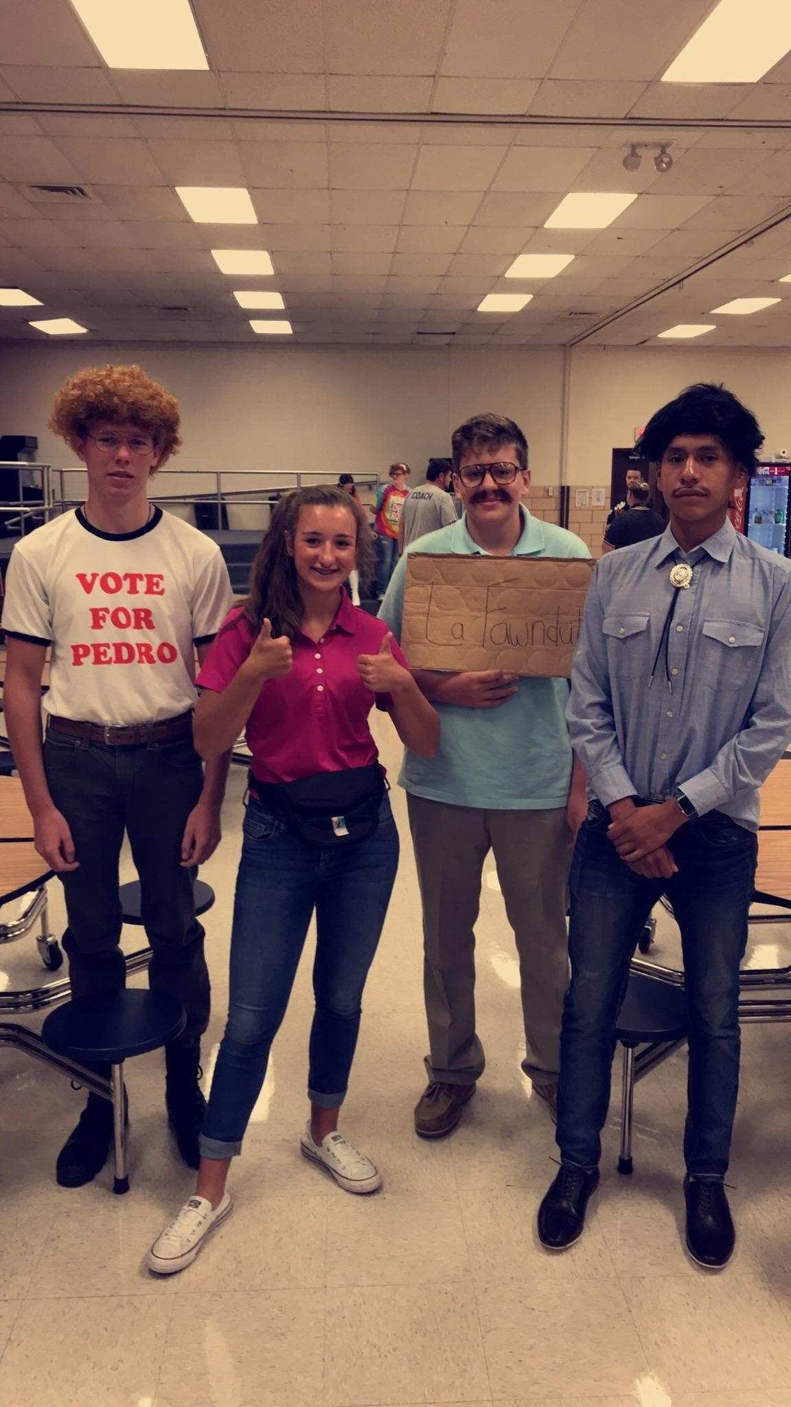 These highschoolers won best dressed group during homecoming week