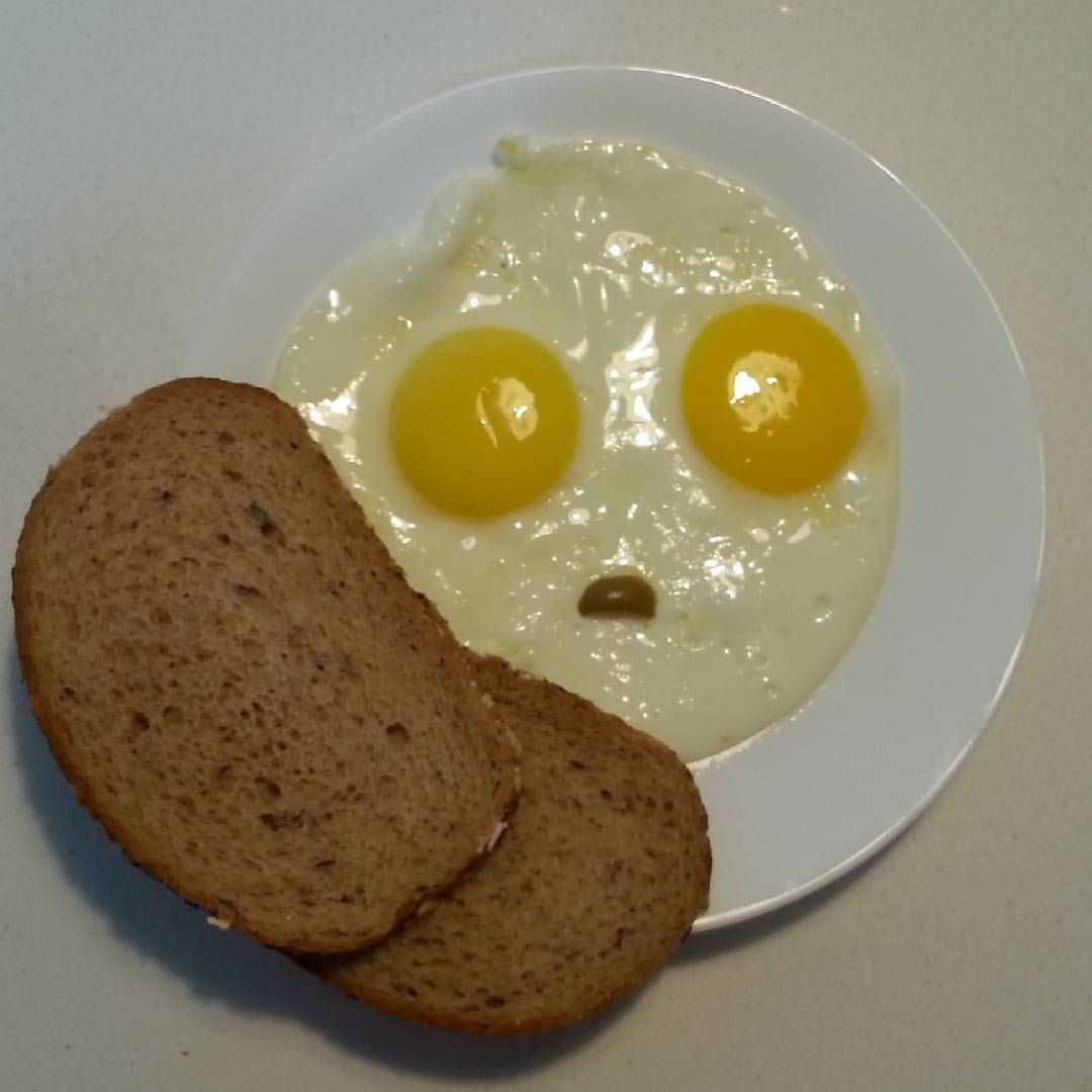My eggs look worried.