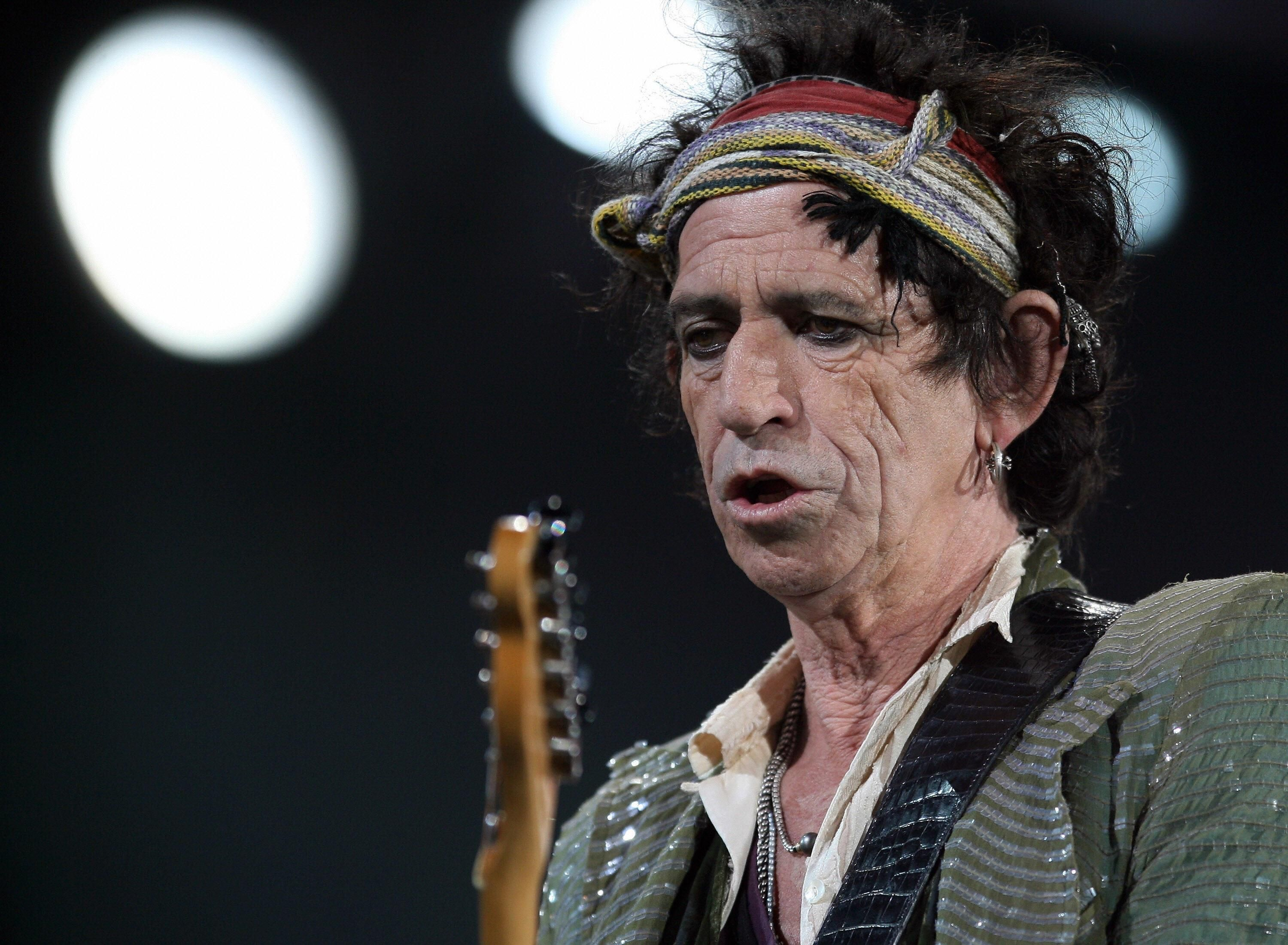 BREAKING: Rolling Stones guitarist Keith Richards found still alive
