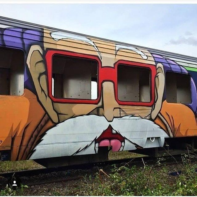 Amazing paintwork on a train