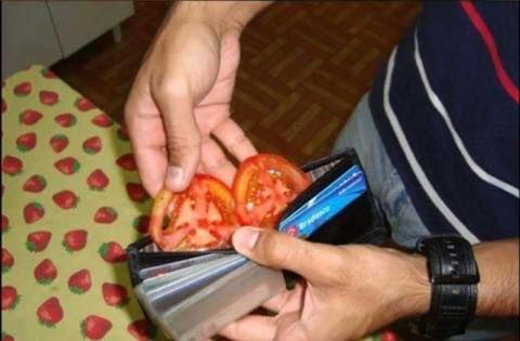 Sorry, I don't have exact change, do you take Tomato card?