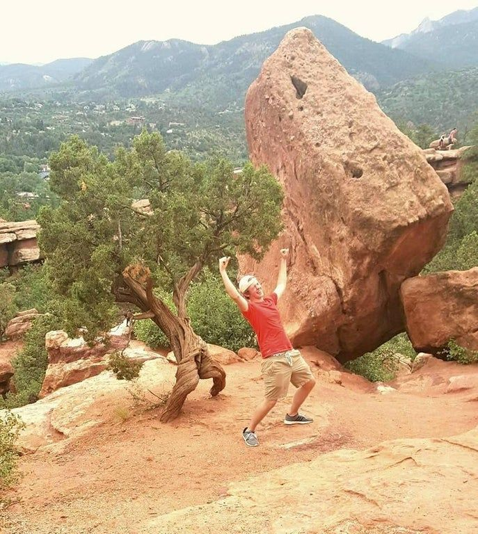 Went to Colorado to visit some family, discovered a happy ass tree among the Garden of the Gods