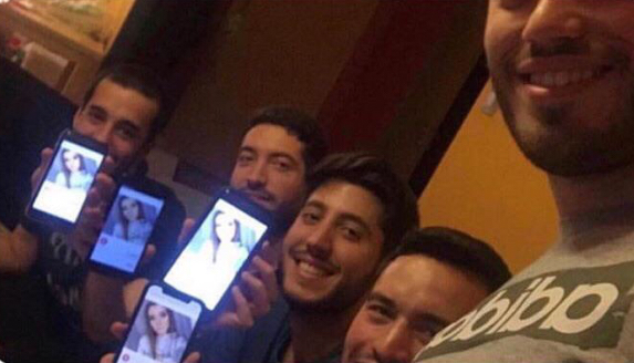 They all matched with the same girl on tinder so they decided to send her a group picture.