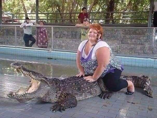 A rare photo of a crocodile calling for help