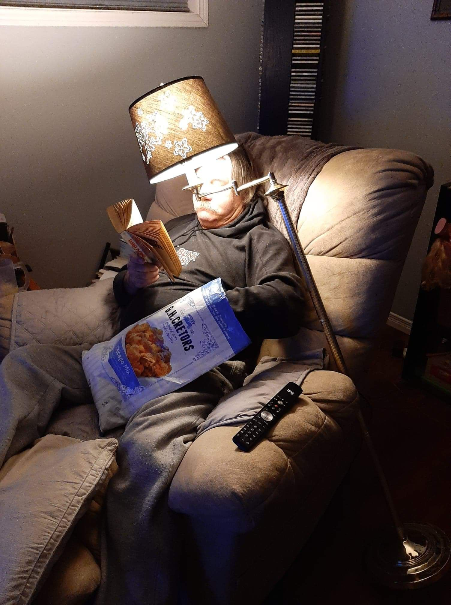 How my dad reads a book