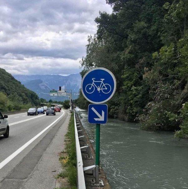 Dedicated bicycle lane for Jesus
