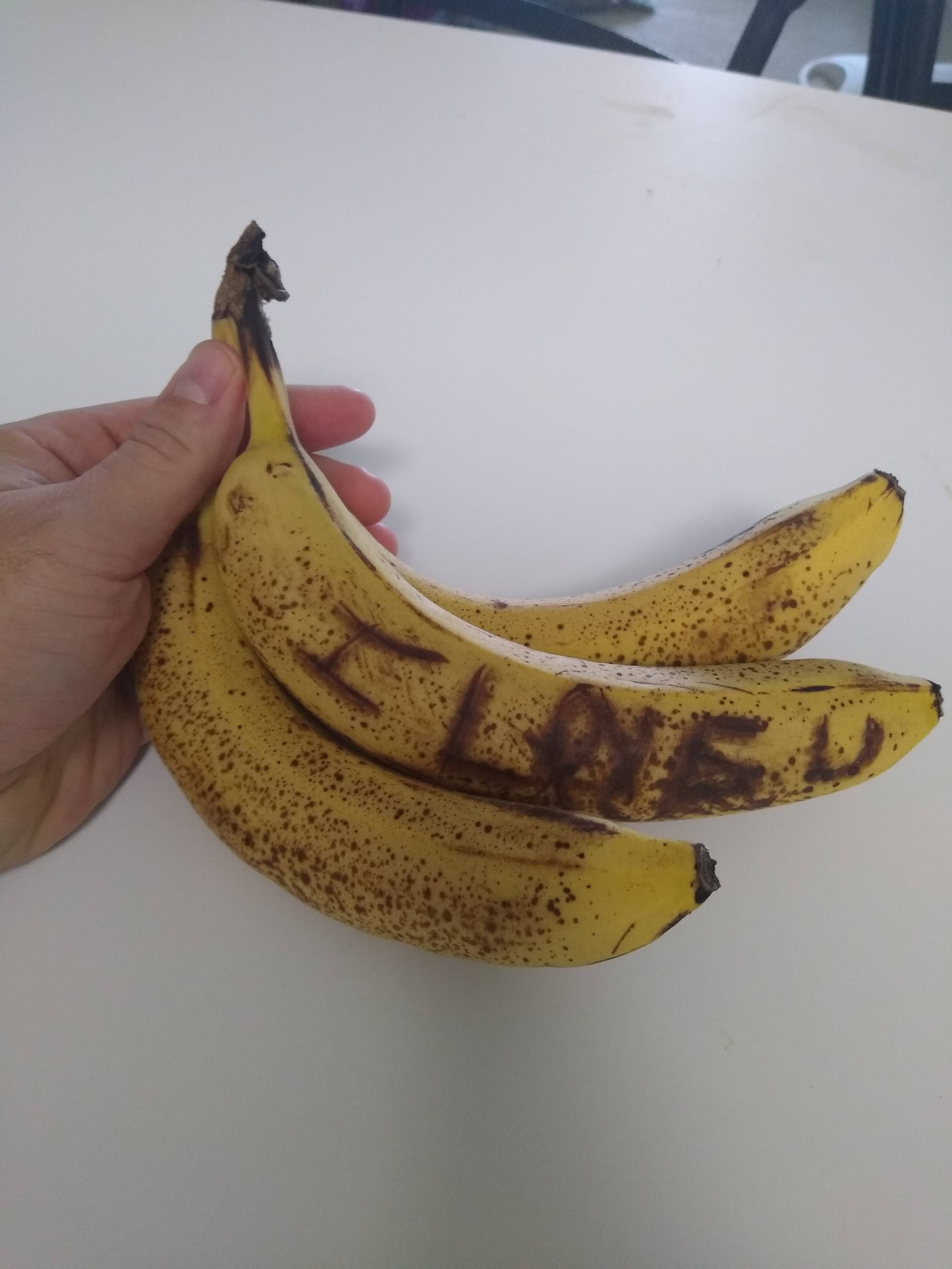 """I tried to be cute and carved """"I love u"""" into my wife's banana last night and this morning, it looked like a note from a stalker. 0/10 Will not do again."""