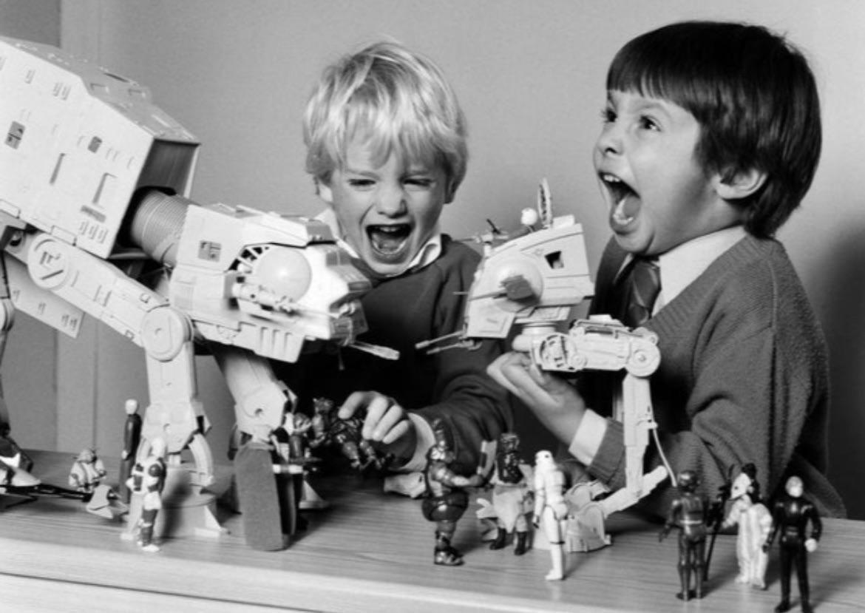A rare photo of John Favreau and Dave Fioloni writing new episodes of The Mandalorian