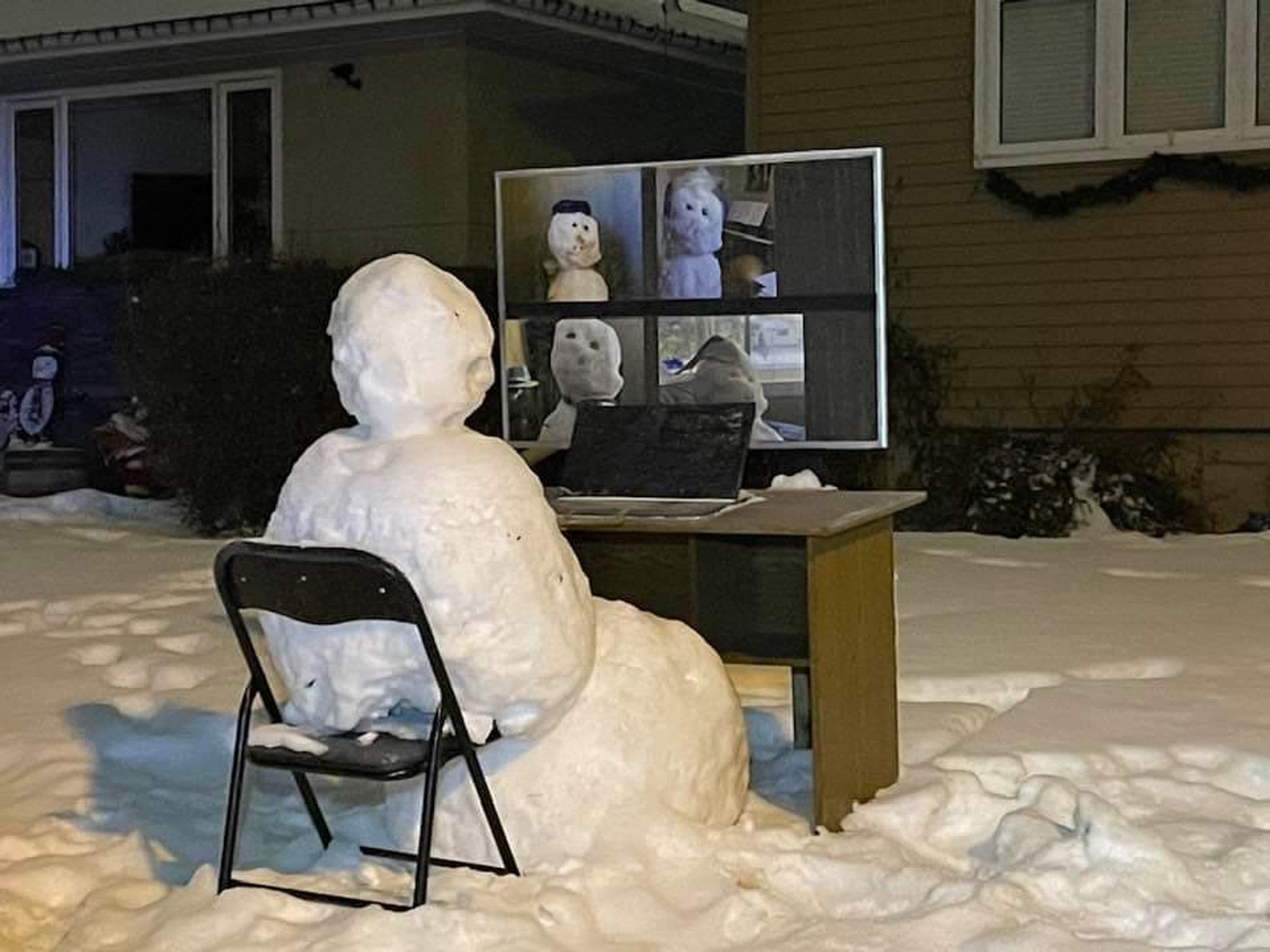 Frosty chatting with the fam