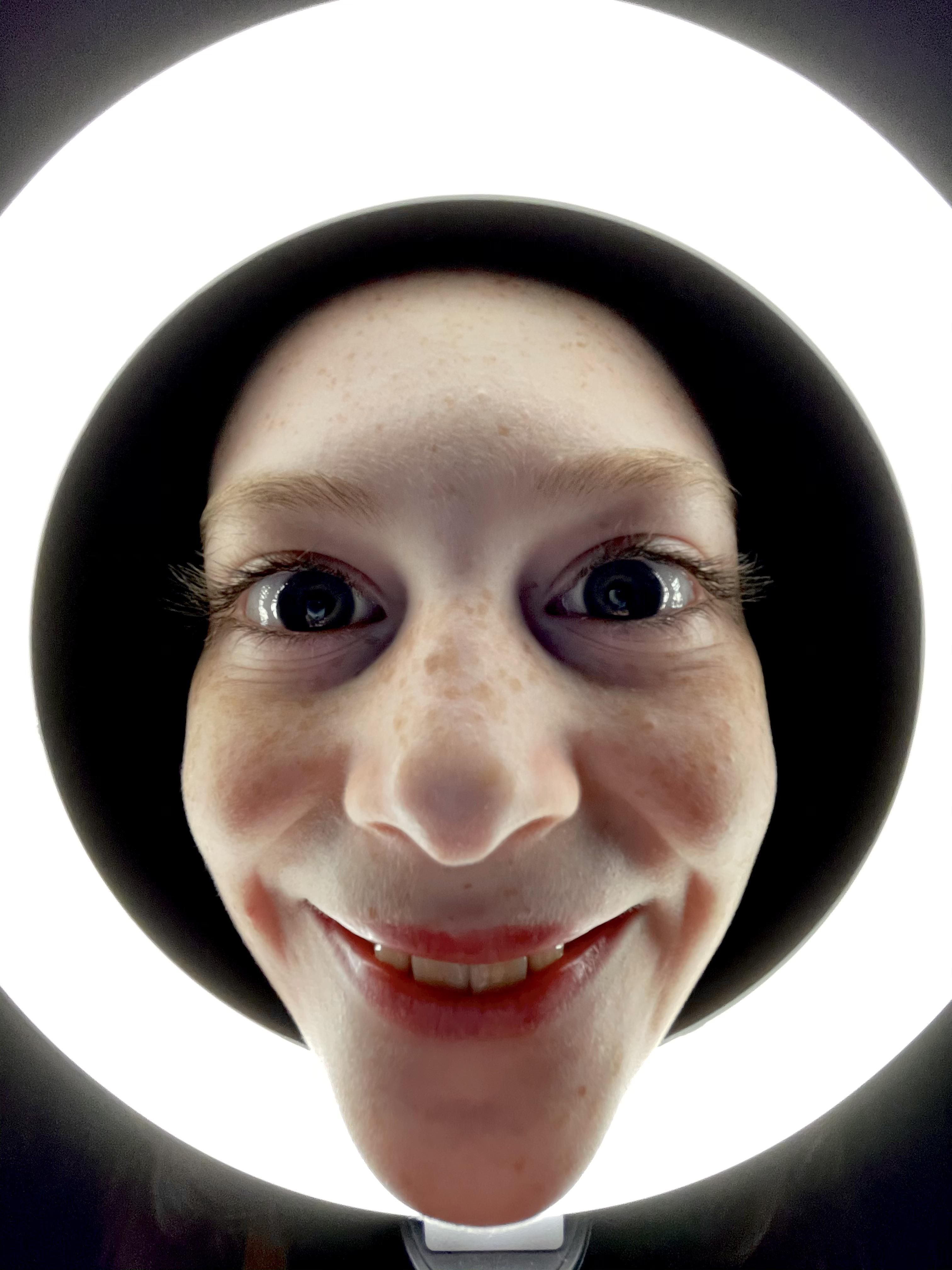My daughter got a ring light for Christmas. Are we using it right?