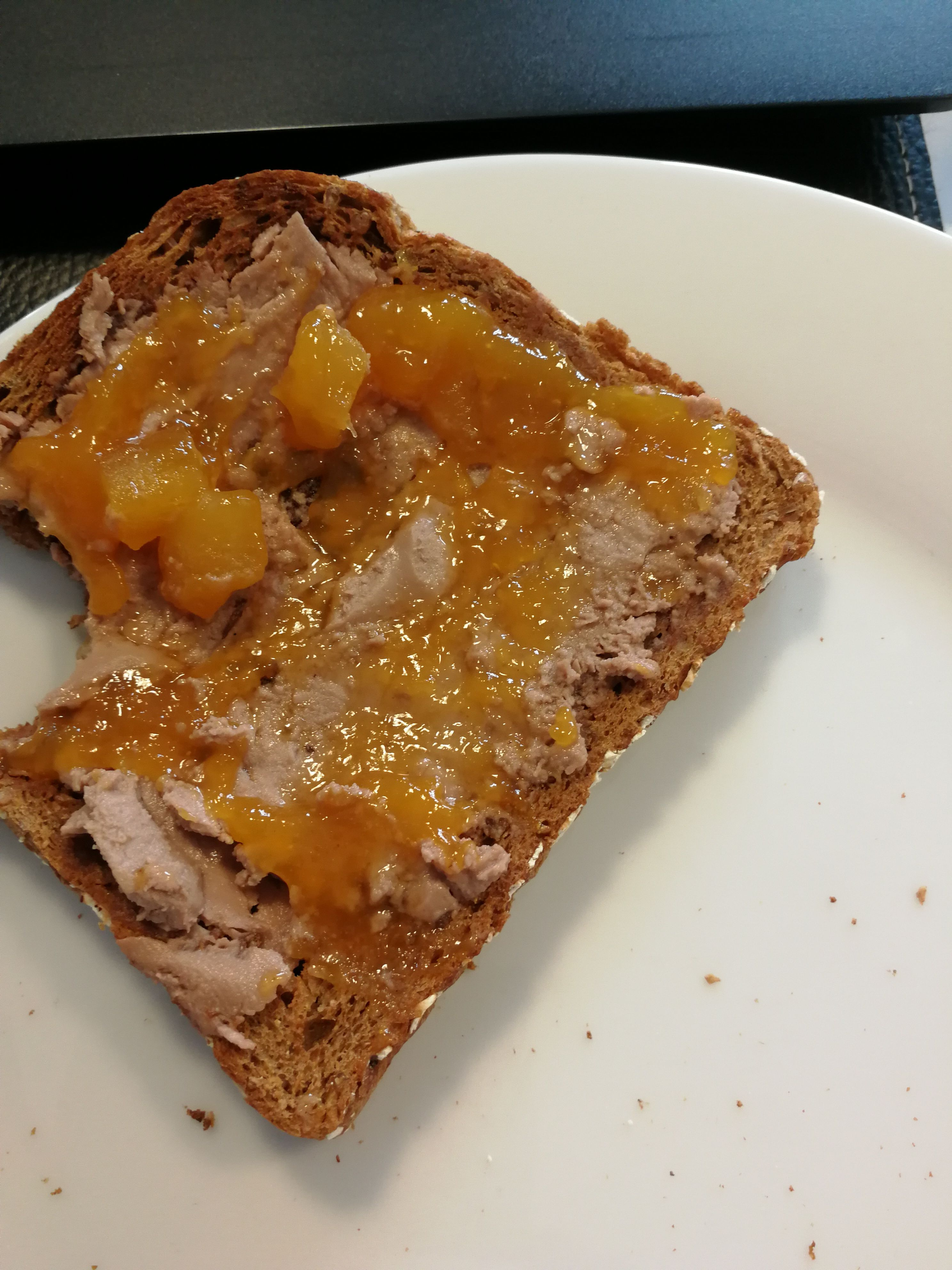 I present you the European peanutbutter jelly sandwich - foie gras with jam