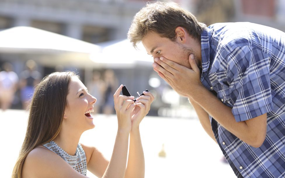 I just discovered a stock photo of distracted boyfriend getting proposed to