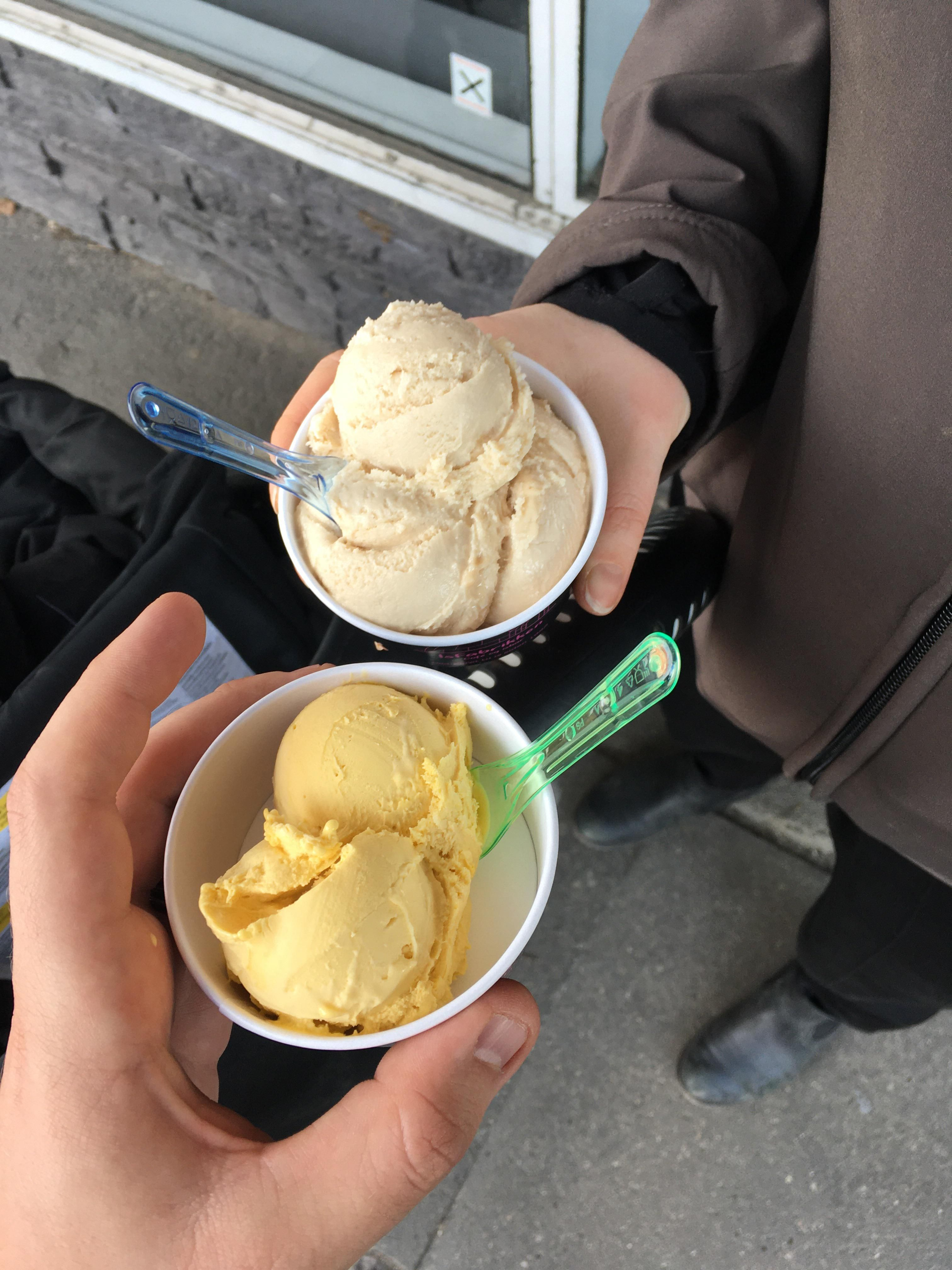 We both ordered one scoop of ice cream. I think the ice cream vendor likes my wife.