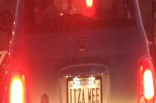 This pizza delivery driver was in front of me at a red light the other night.