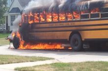 Accidentally unplugged my headphones while listening to my mixtape in the bus